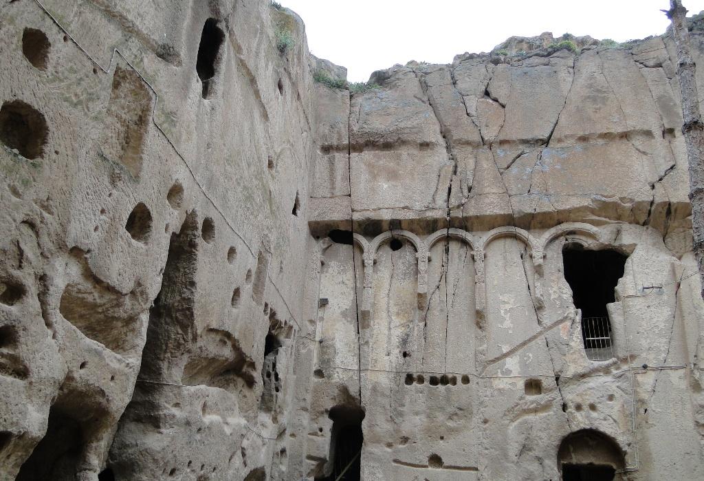 Εσκί Γκιουμούζ-Παλαιών Ασημιών, περιοχής Νίγδης.
