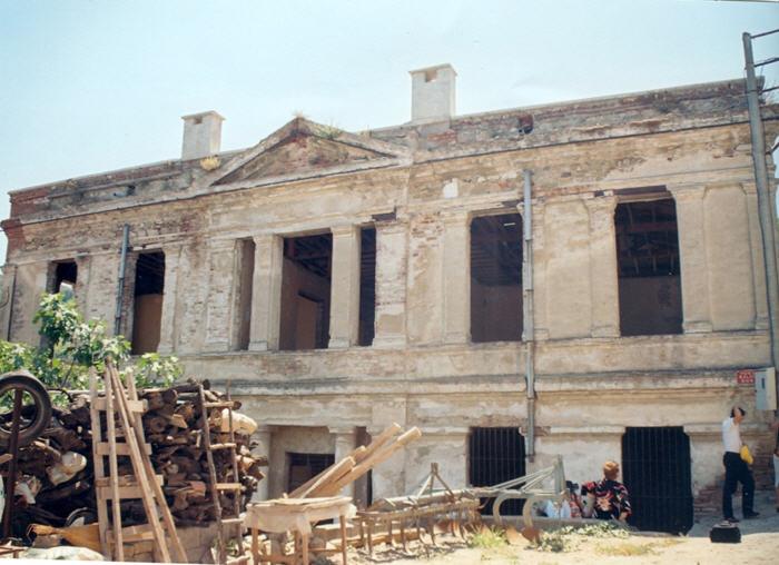 Το σχολείο που ανήγειρε ο Χρυσόστομος Σμύρνης